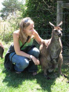 Szarinoko-autor-o-mnie-z-kangurem